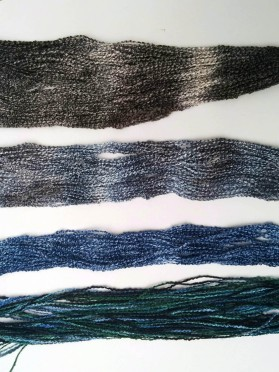 Four weft colors in order.